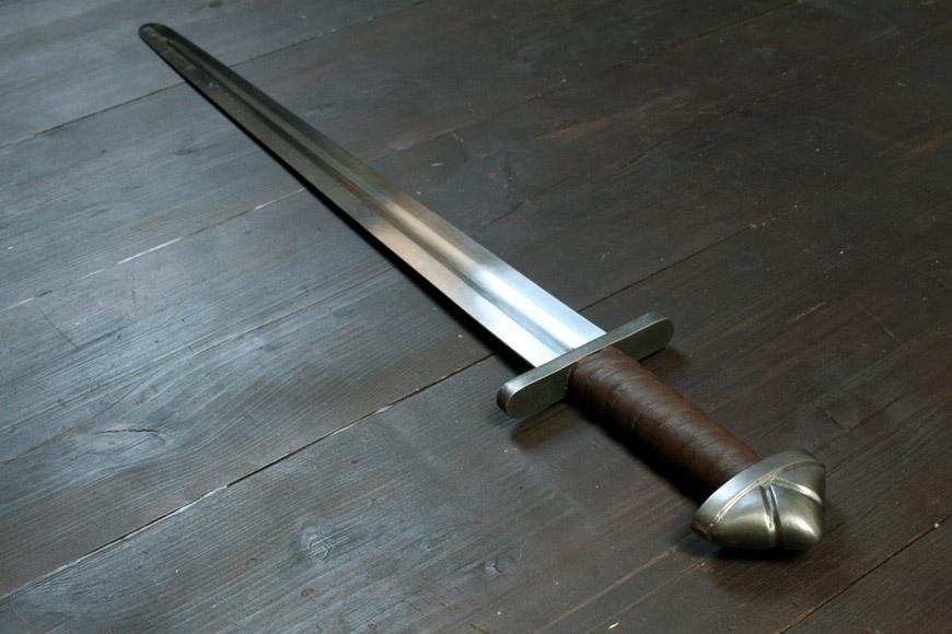 Odamus Disain: kingitus viikingimõõk