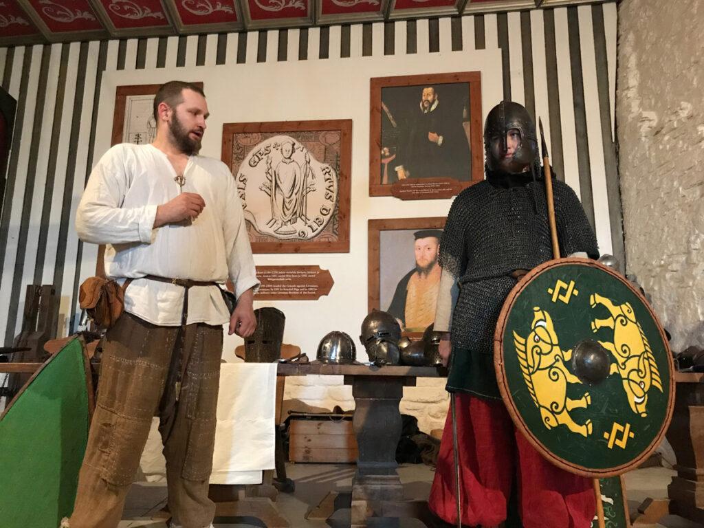 Kingi elamus - loeng ajaloolistest relvadest